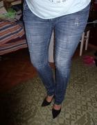 Przetarte jeansy dżinsy