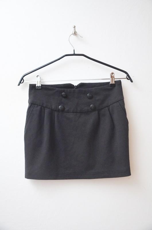Reserved czarna spódnica mini dresowa 34