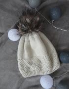 ciepła czapka z pomponem futerko hot