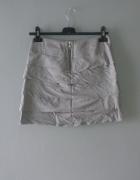 Idealna krótka siwa spódniczka