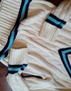 Cieplutki klasyczny sweter akrylowy...
