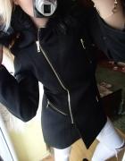 Elegancki płaszcz futerko czarny zamek zip