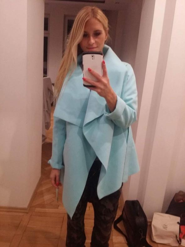 płaszczyk niebieski...
