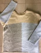 trojkolorowy sweter...