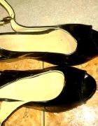 Czarne śliczne sandałki
