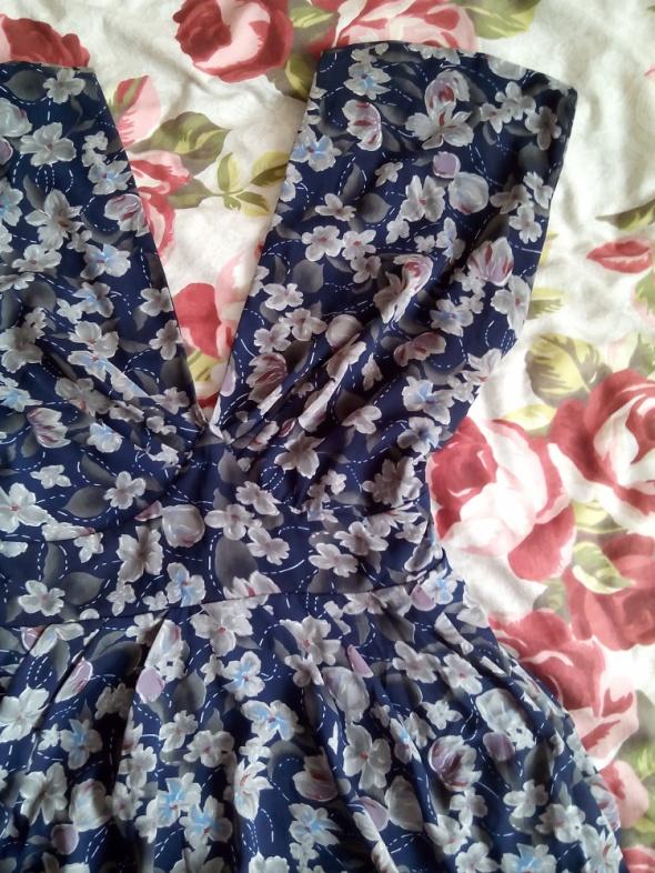 Sukienka floral wiązana z tyłu