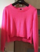 Neonowy sweterek