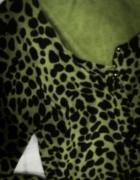 Oliwkowy sweter w panterkę S
