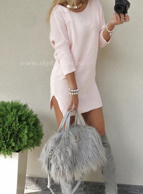 Codzienne różowy sweterek