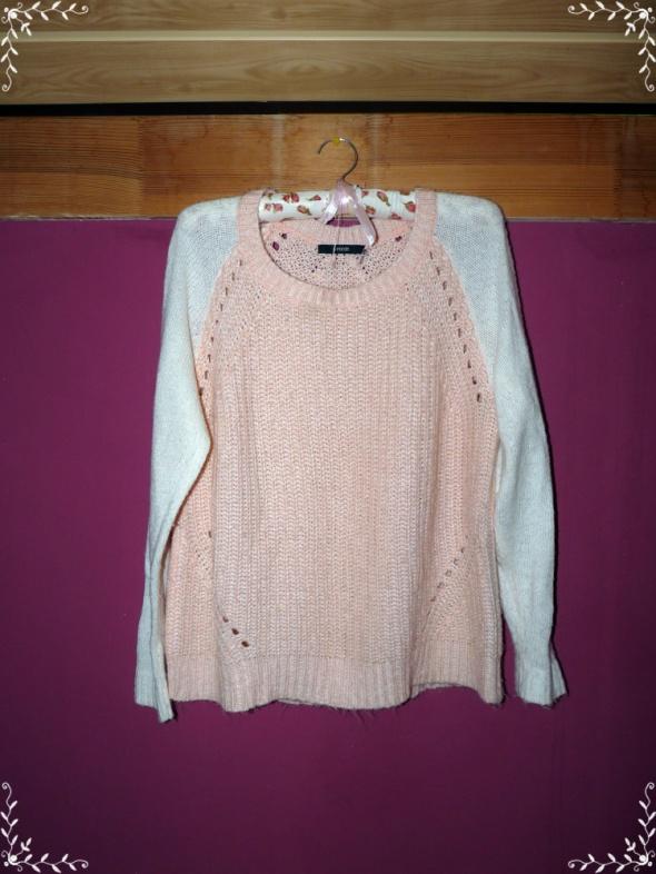 dwukolorowy sweter dwa materiały brzoskwiniowy...