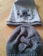 dwie czapki