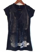 czarny t shirt z nadrukiem 36