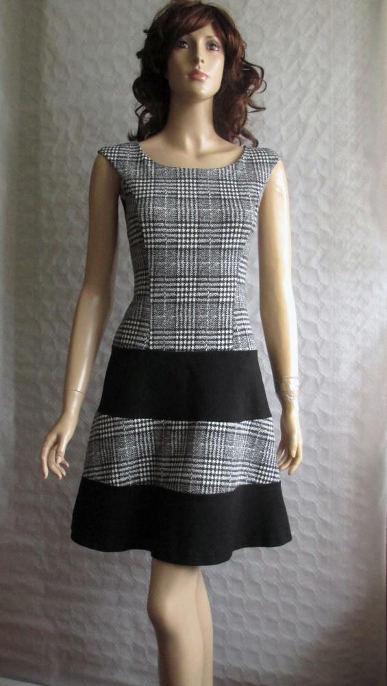 53a377a6633766 Suknie i sukienki ANNA FIELD sukienka retro pepitka czarno biała 34