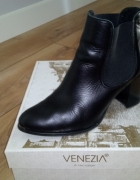 Czarne botki Venezia r 39