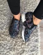 Sneakersy z cekinami zmieniające kolor...