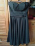 Czarna elegancka sukienka...