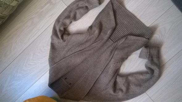narzutka sweter hm