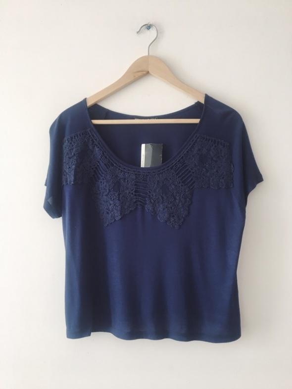 Bluzki Granatowa bluzka z koronka boho style