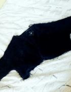 Urocze czarne futrzane bolerko z Atmosphere