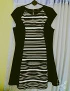 Czarno biała sukienka z Atmosphere...