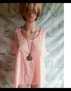 Pudrowy róż koszulka na ramiączkach z Select...