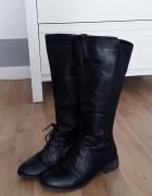 czarne buty kozaki wiązane styl zara