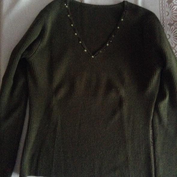 Swetry sweter w serek M