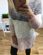 Sweter długi wkładany...