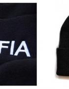 Czarna czapka z napisem junya MAFIA must have