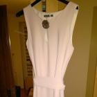 piekna rozkloszowana sukienka z paseczkiem