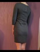 Szara sukienka dopasowana...