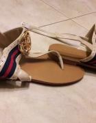 Nowe beżowe sandały