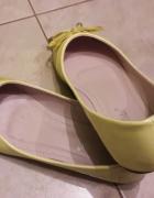 Żółte balerinki