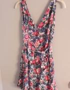 Śliczna sukienka w stylu vintage...
