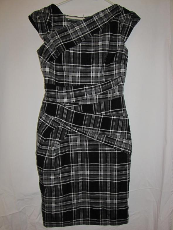 Kobieca elegancka sukienka w kratkę New Loook...