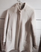 Biały wełniany płaszcz zara