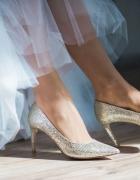 Śliczna suknia ślubna długi rękaw...