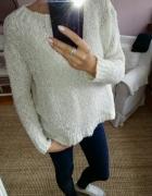 wlochaty sweter