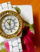 Cudny zegarek z kryształkami