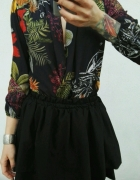body w kwiaty rozkloszowana spódniczka czarna floral kopertowe komplet hit blogerek