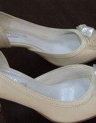 Nowe idealne kobiece buciki ecru