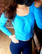 krótki niebieski sweter zapinany xs