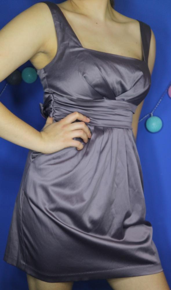 mini sukienka elegancka