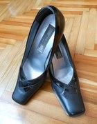 Czarne buty półbuty r 40