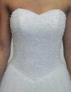 Śliczna suknia princessa