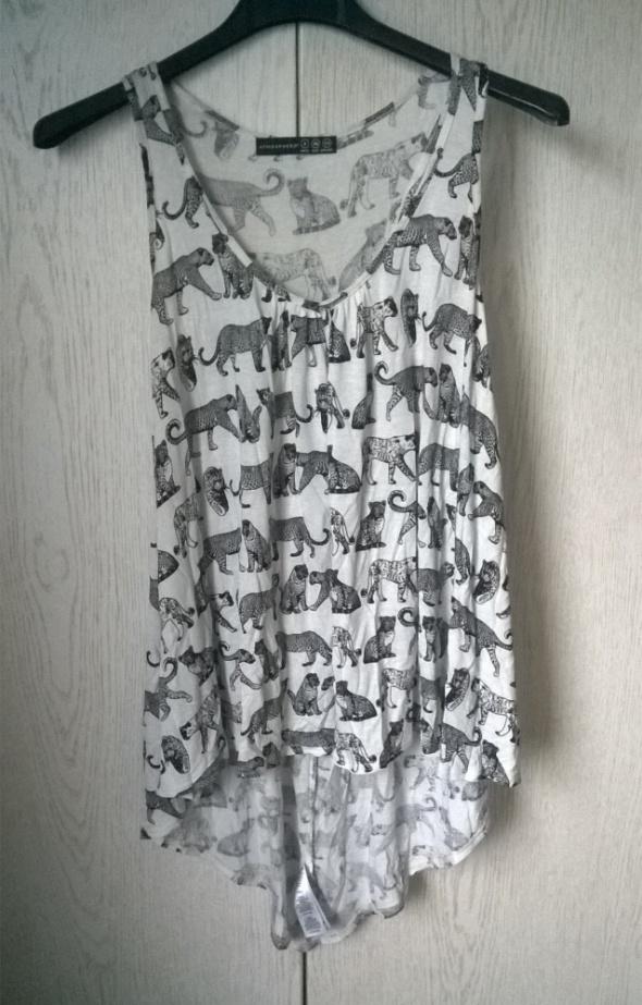 Asymetryczna zwiewna bluzka w panterki wycięcia