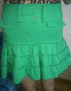 Zielona spódniczka mini z wyższym stanem...
