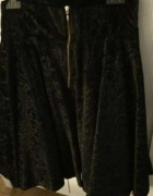 Śliczna czarna spódnica...