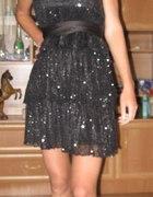 czarna cekinowa sukienka z kokradą...