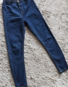 Nowe jeansy z wysokim stanem Cropp